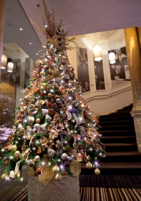 Autumnal designed tree to coordinate with the hotel's décor